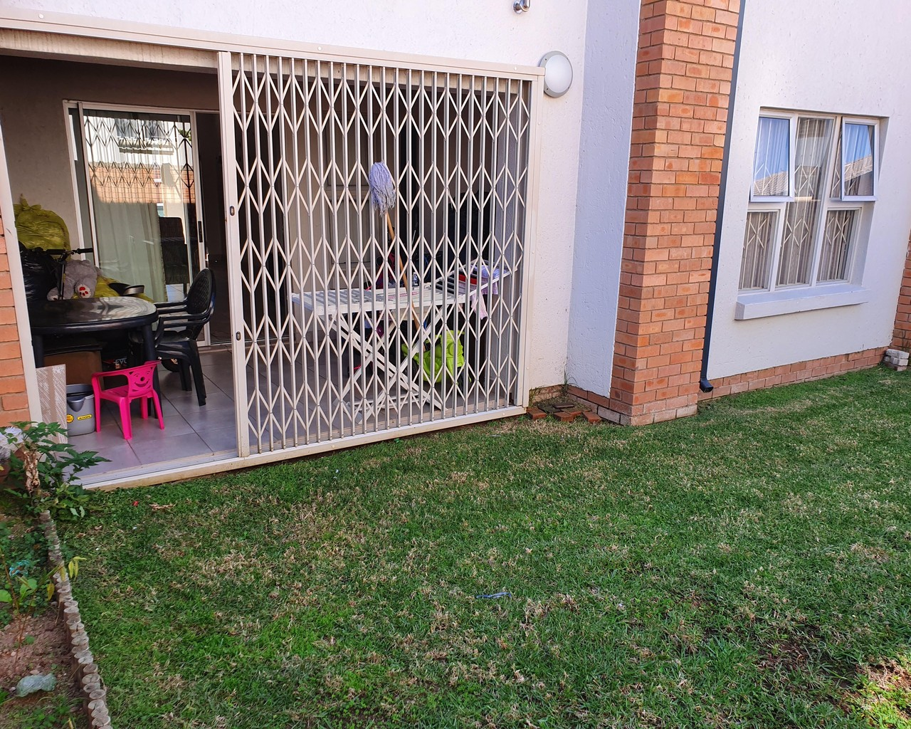 Amazing 2 Bedroom Apartment To Let In Carlswald Urban Link Home Interior And Landscaping Mentranervesignezvosmurscom